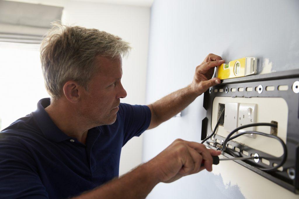 installing a tv wall bracket
